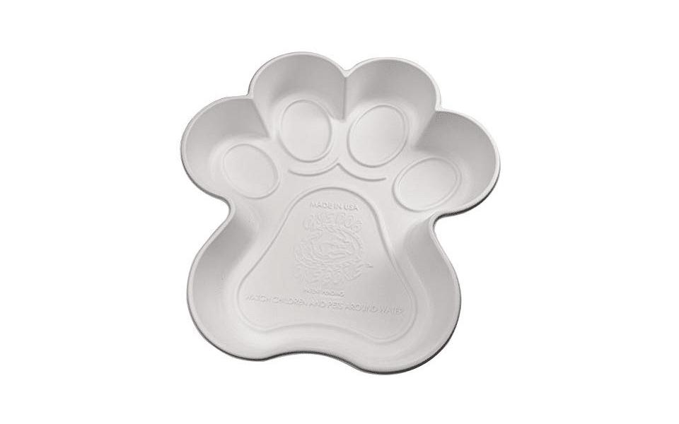 Piscină pentru câini în formă de lăbuță.