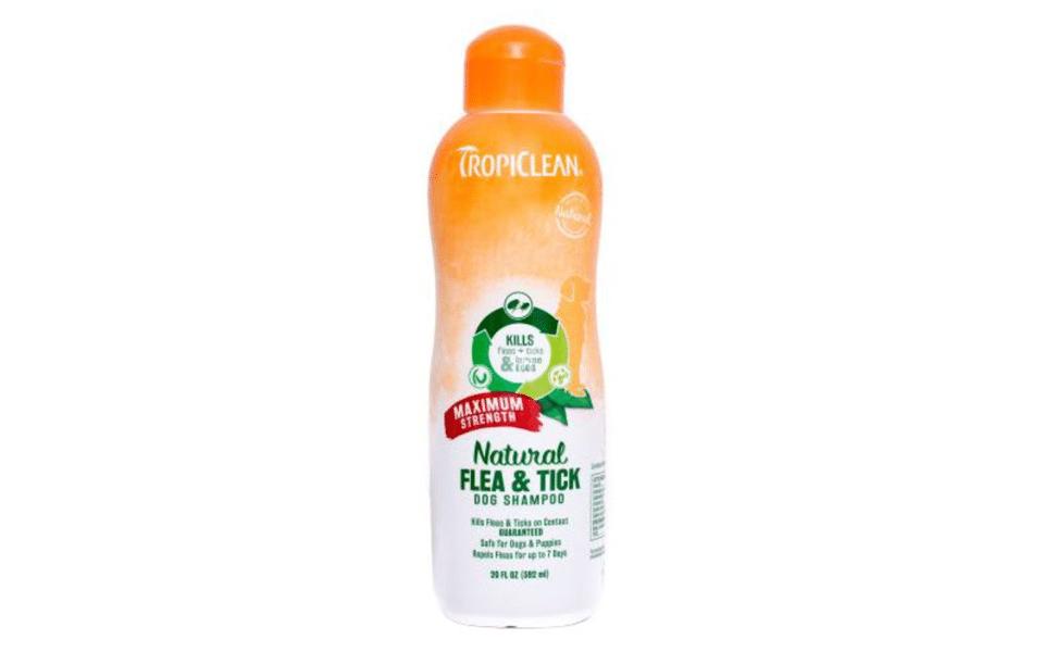 Șampon anti purici pentru câini Tropiclean.