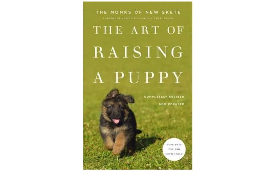 Carte dresaj câini The Art Of Raising A Puppy.