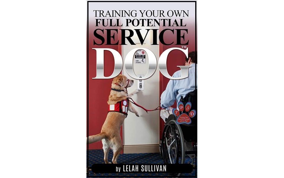 Carte dresaj câini Training Your Full Potential Service Dog.