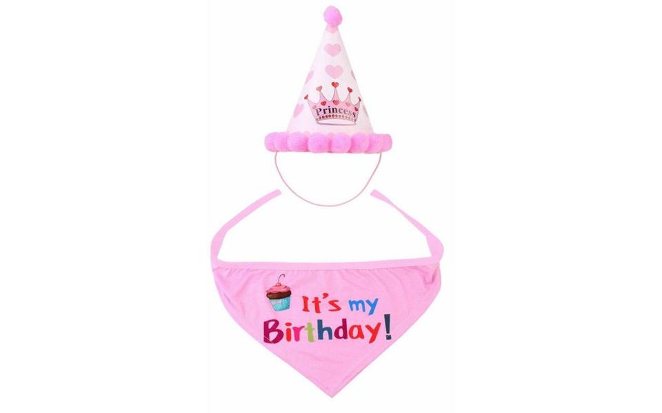 Set bandana si coif aniversare pentru caini roz.
