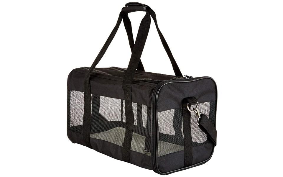 Geanta de transport pentru pisici neagra.