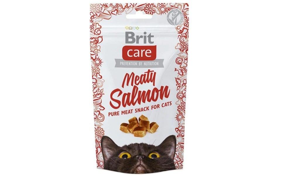 Punga cu recompense pentru pisici Brit Care Snack Meaty Salmon.