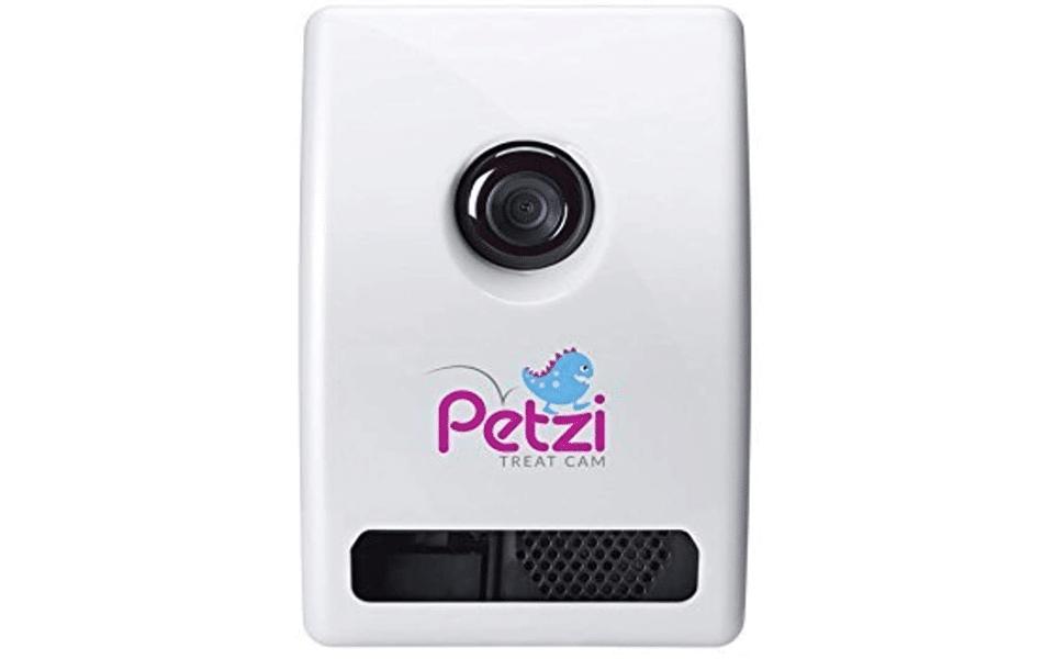 Camera video pentru animalele de companie Petzi Treat Cam.